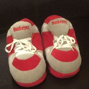 Shoes - Ohio State Slippers Size L